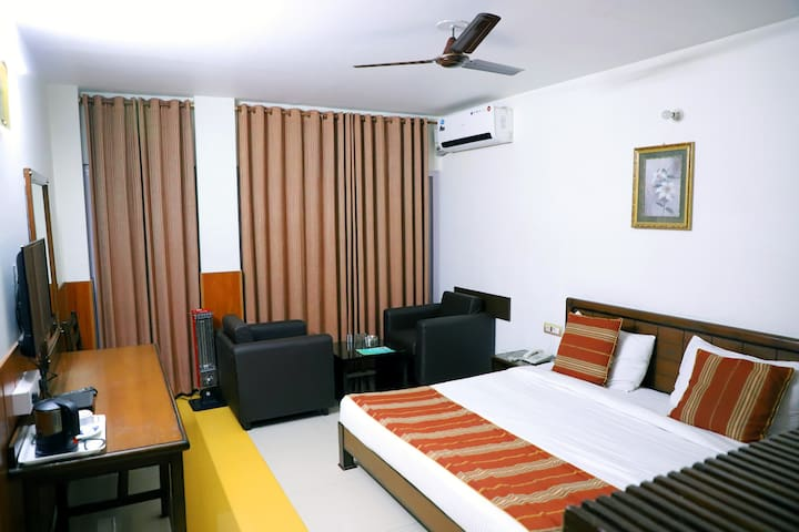 Affordable Hotel In Peaceful Locality @ Billaspur