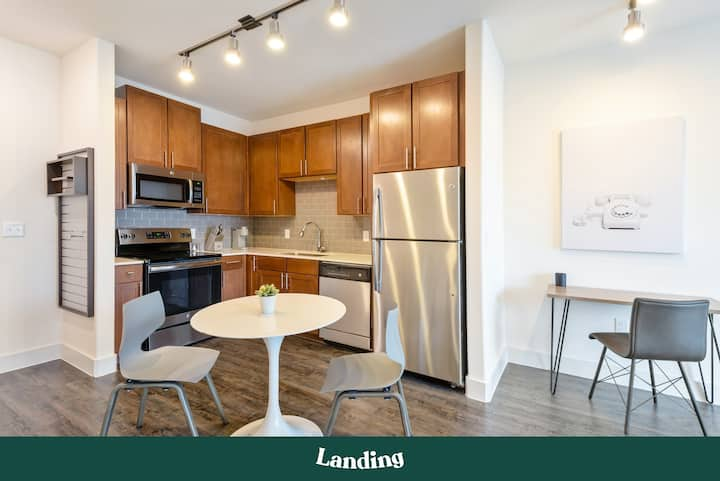 Landing | Modern Apartment with Amazing Amenities (ID5413)