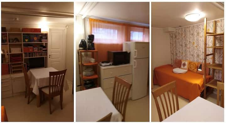 Room with own bathroom and parking