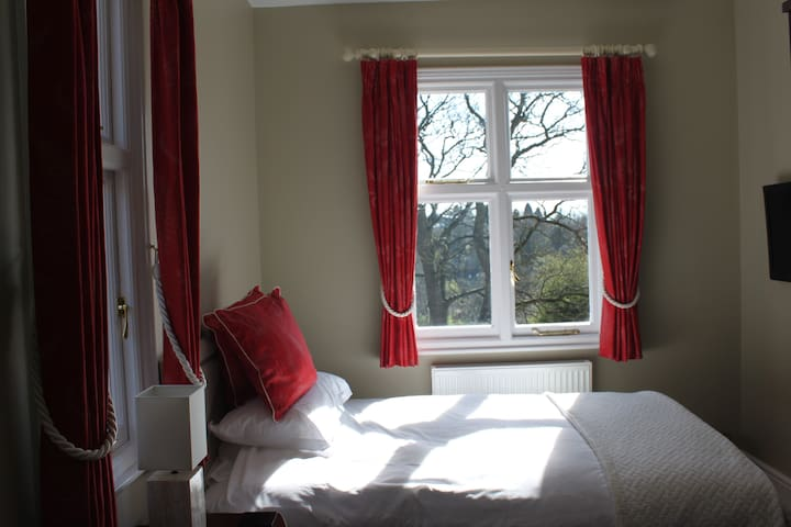 Double room 10 in beautiful bed and breakfast