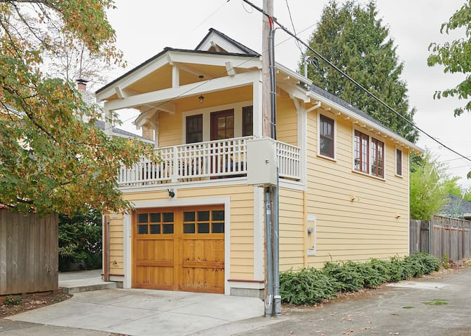 NE Portland Craftsman Guest House