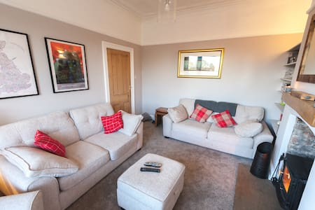 Town House perfect for Families and Groups