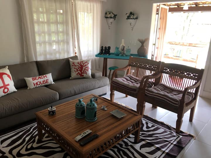 Casa cond fechado em Camburizinho 400 da praia