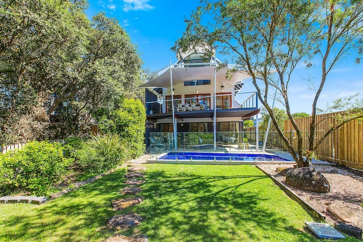 ABSOLUTE BEACHFRONT - BEACH HOUSE