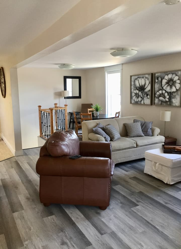 Pembroke Central Newly Renovated Apartment