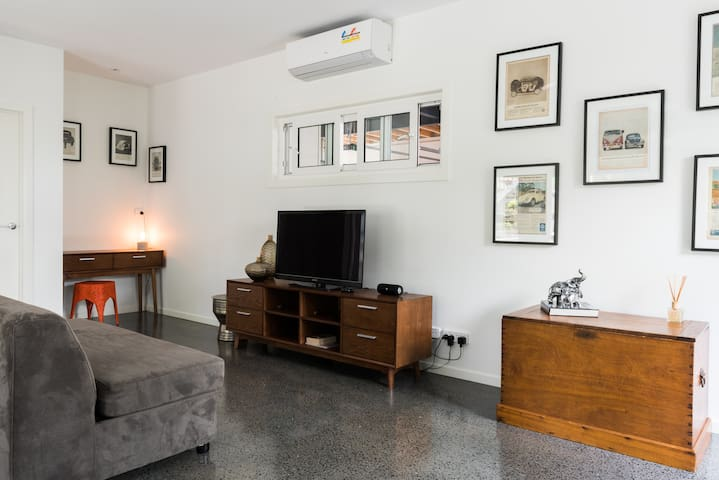 @599 - Awesome Aspley Apartment