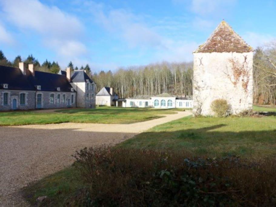 La Calvinière ; l'Orangerie au fond