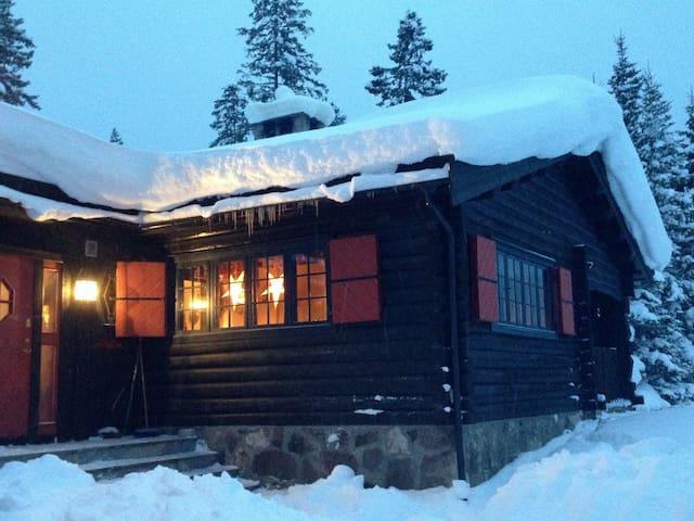 Mylla - Lunner - Blockhütte