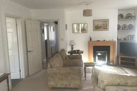 Cozy, comfortable bungalow in heart of Mersea