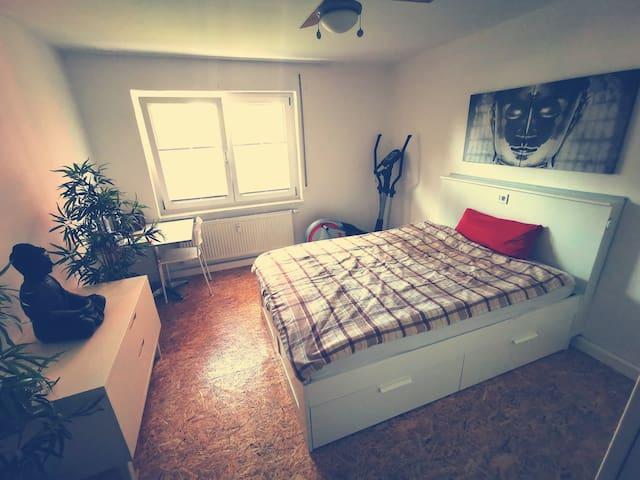 Gemütliches Zimmer für 1-2 Personen.