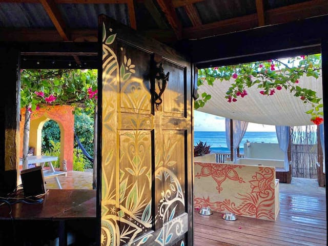 The Berry King Beach Suite at Katamah Guesthouse
