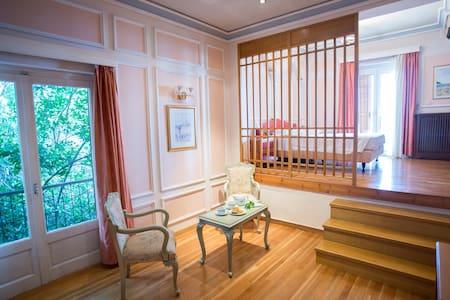 Suite in Delphi! Spectacular view! - Amfissa - Oda + Kahvaltı