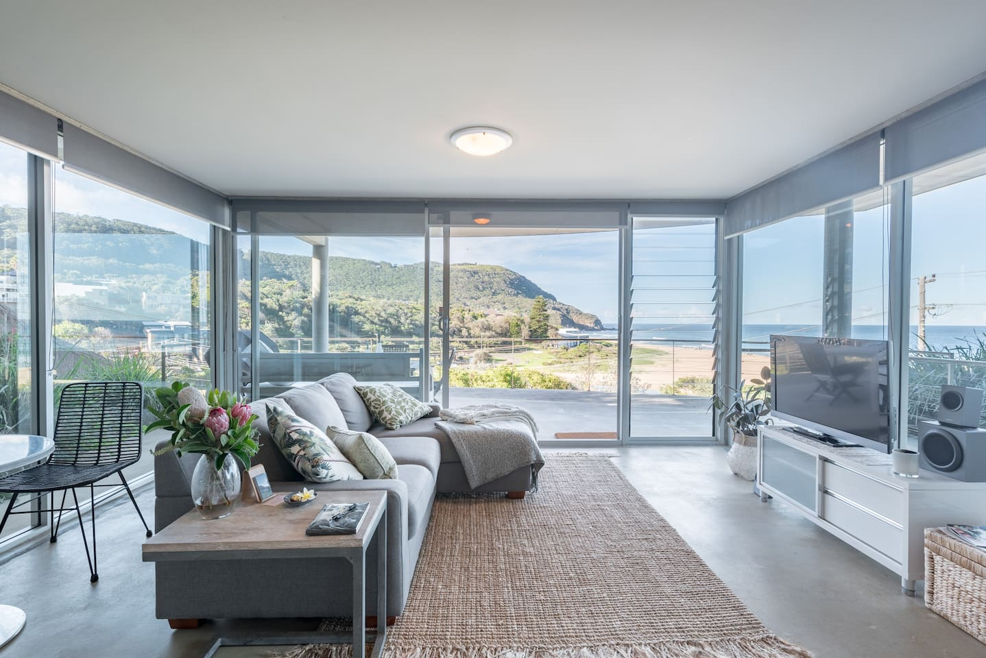 Lounge/living area with views to beach and escarpement.