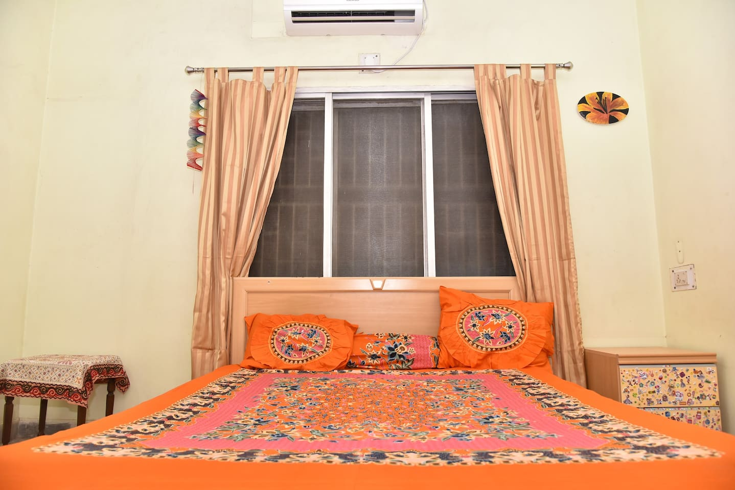 Soft pillows, comfy mattress, clean sheets, with ample lighting and comfortable side tables for all your belongings, make the bed a place to stay!