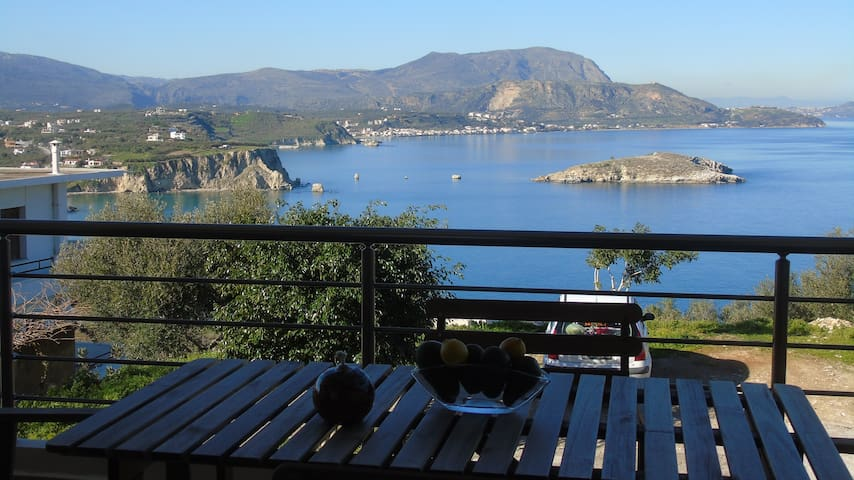 Brand new apt stunning seaview,4bedrooms,wifi,bbq - Plaka - Pis