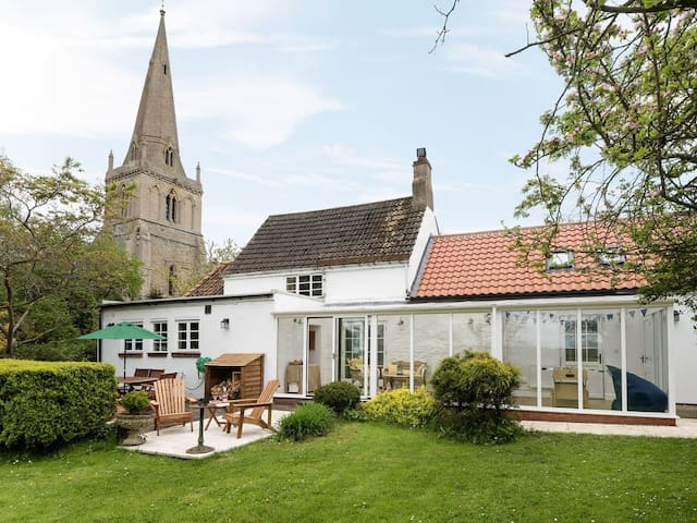 Church Cottage (UKC3303)