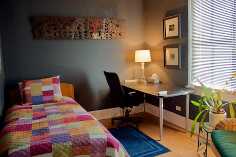 The Creative Suite in lovely Victorian Evanston IL
