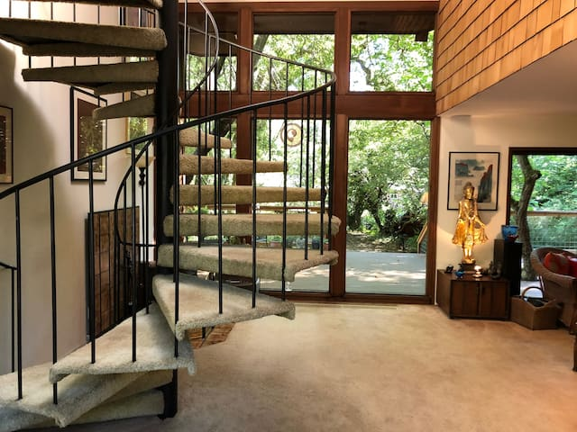 Staircase leading to Apartment