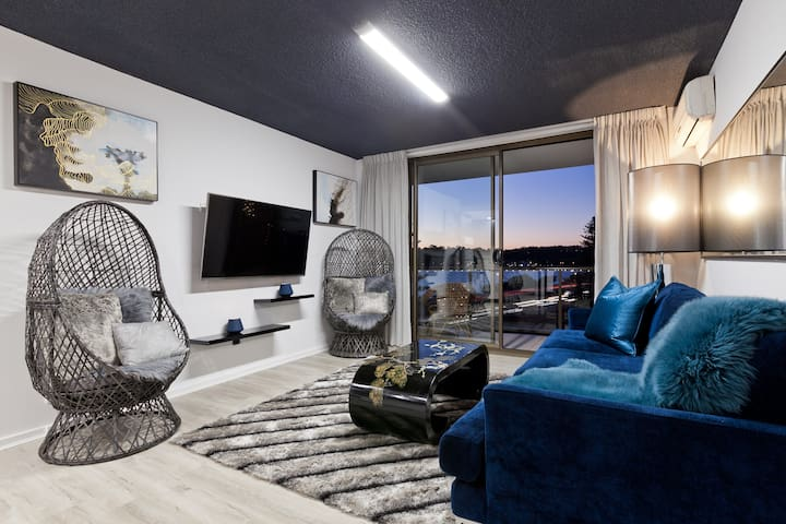 Riverview & City View 2 Bedroom unit South Perth