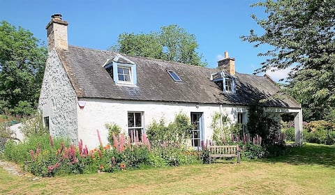 19th Century Miller's Cottage with stunning views