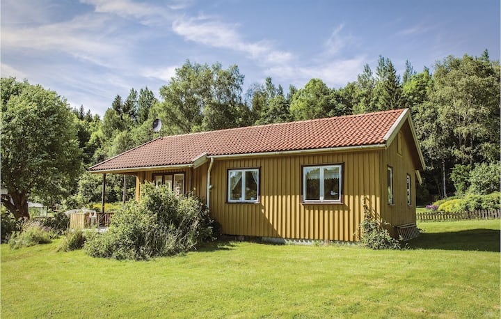 Stunning home in Ljungskile with WiFi and 2 Bedrooms
