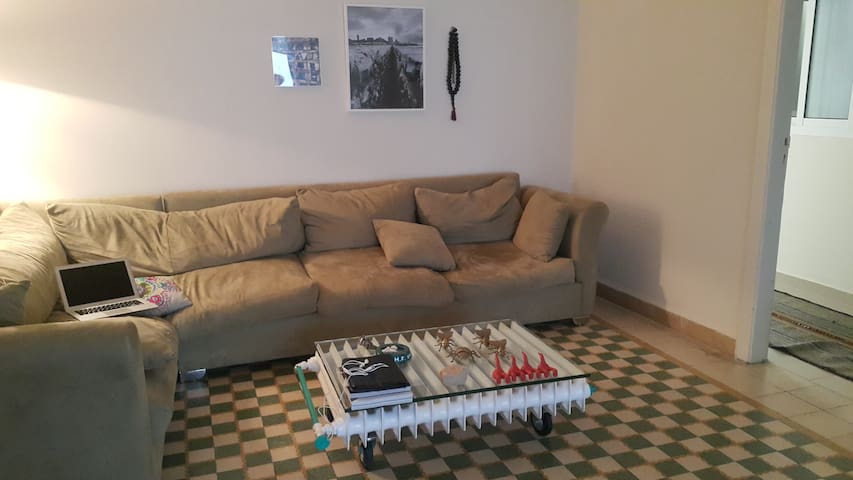 Cozy 2-Bedrooms Flat In Mar Mikhael - Beirut