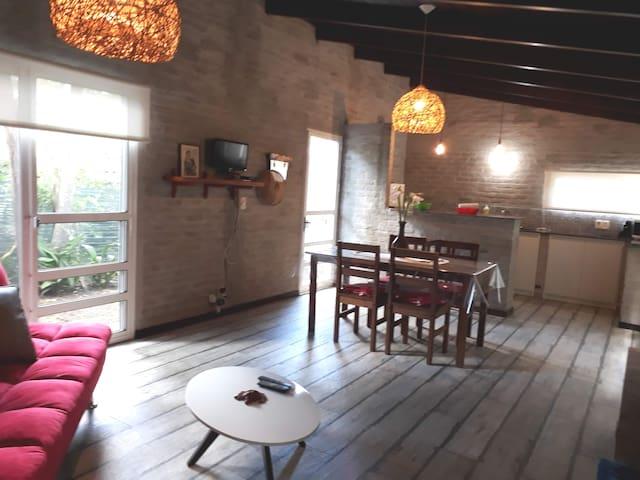 Villa Mora. COLONIA Uruguay. Casa de 3 ambientesi