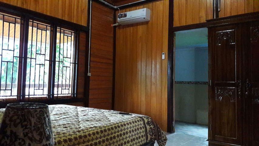 Traditional Minahasa Home B&B
