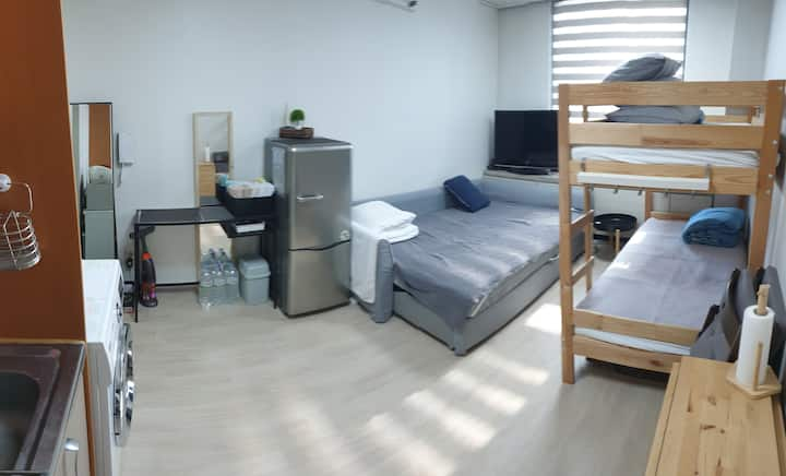 1 min Gangdong Stn Apt. for 4_near Jamsil & DDP