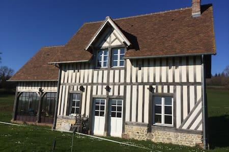 Maison de campagne 15 min Deauville - Saint-Martin-aux-Chartrains - Hus