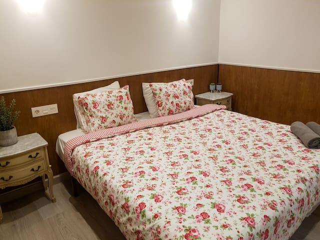 Private room close to Zurriola beach!