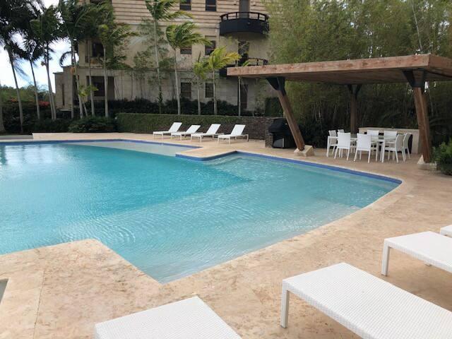 Luxury  Condo in Los Altos inside  Casa de Campo