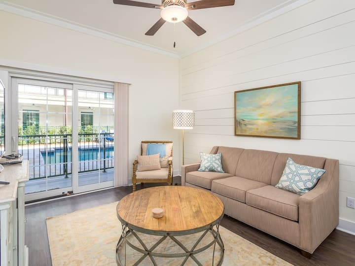 King Suite in the Heart of St.Simons Pier Village