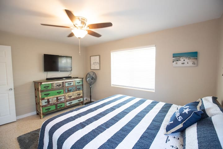 Front bedroom, lots of storage for long stays and a great TV for late night movies.