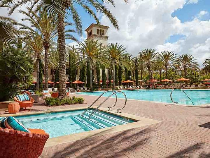 Irvine private 2b2b apartment with pool and gym