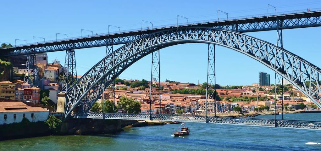 #LP - Historical City Center  - Douro River view