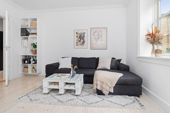 Cozy and bright apartment, 15 min from City center
