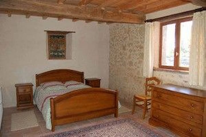 chambre confortable au calme - Miélan