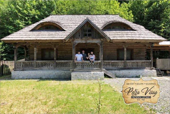 Casa Petra Visag - Authentic Romanian Cottage