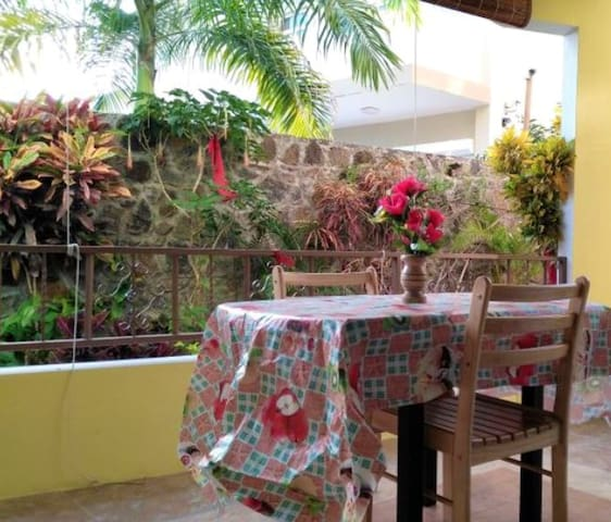 Apartment with 2 bedrooms in Pereybere, with shared pool, enclosed garden and WiFi - 700 m from the beach