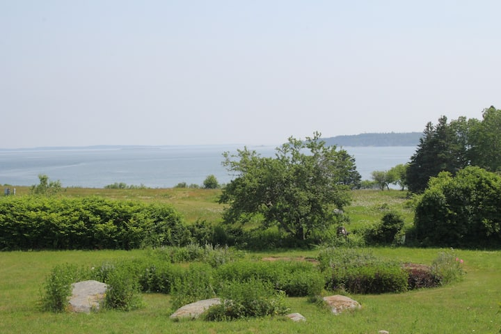 Ocean Views/Access at The Lookout~Lean To Cottage