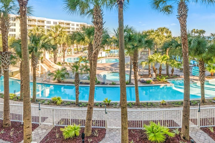 Destin West 305 Lazy River. 3 smart tvs. 2 full ba