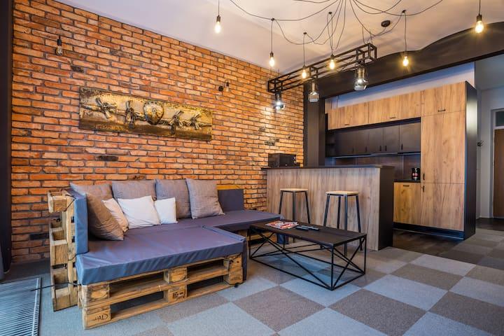 Wyposażony loft w świetnej lokalizacji