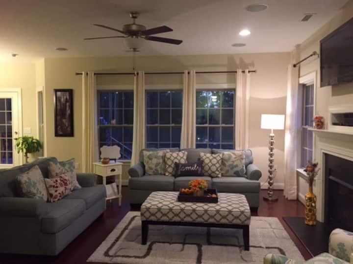 Comfy Rooms (1&2)