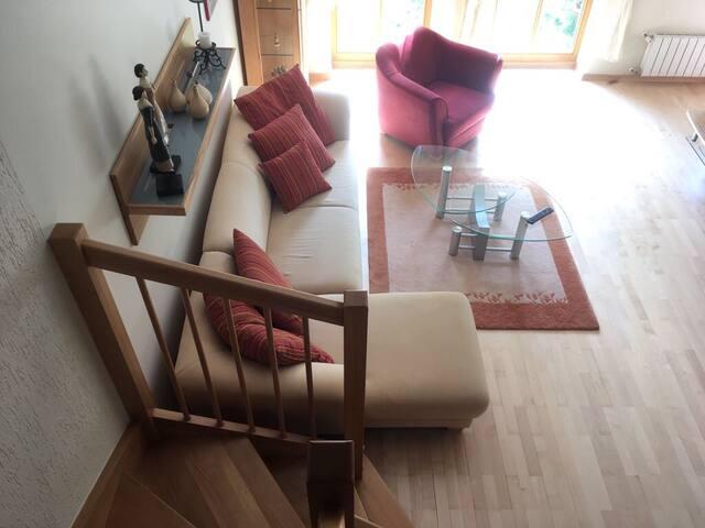 Dvouposchoďový apartmán  v domě na klidném místě