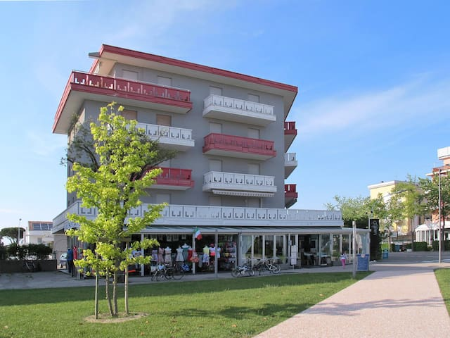 Holiday apartment for 5 persons in Lido di Jesolo