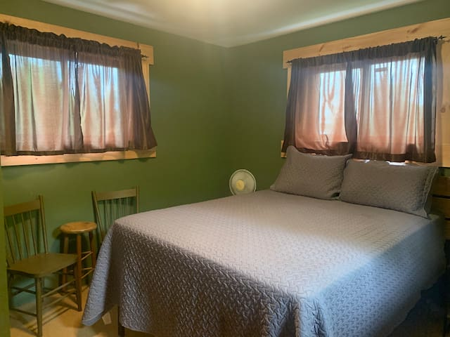 2nd Floor - Bedroom. Queen Bed