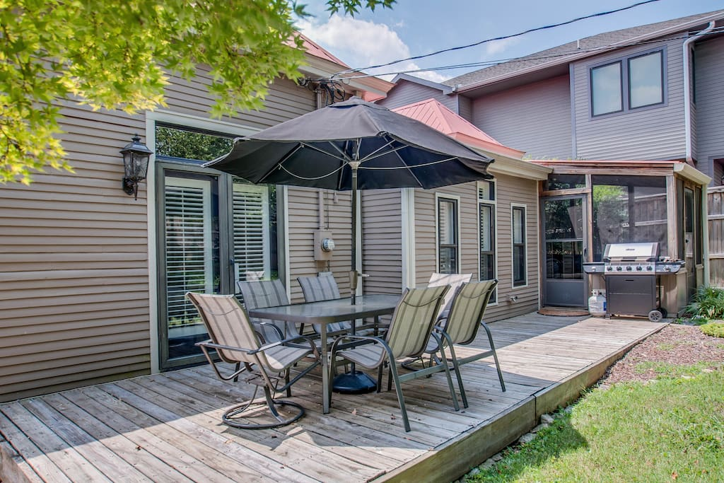 Enjoy the shade of the umbrella with outdoor dining that seats 6!