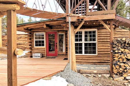 Boho Chic Log Cabin with Zipline