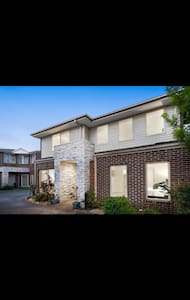 Single room available in Noble Park